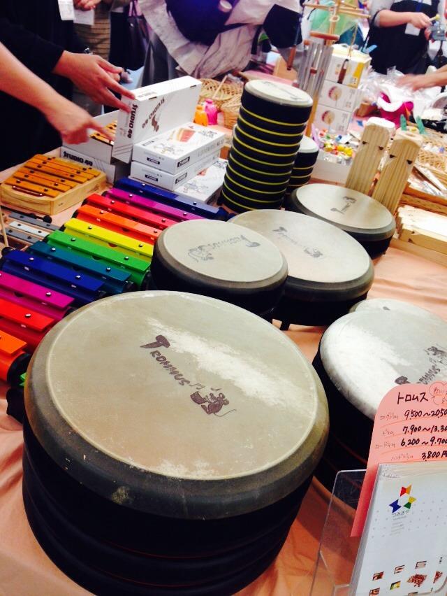 会場では楽器や書籍の販売も充実してます!珍しい楽器もたくさんお目にかかれます!