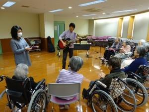 こちらは集団セッション!始まりの歌で挨拶します!